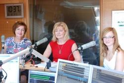 Členky realizačního týmu projektu Mediální výchova na gymnáziích ve studiu Českého rozhlasu Pardubice